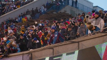Fans upset over traffic, concession stands at Stadium Series outdoor Avs game
