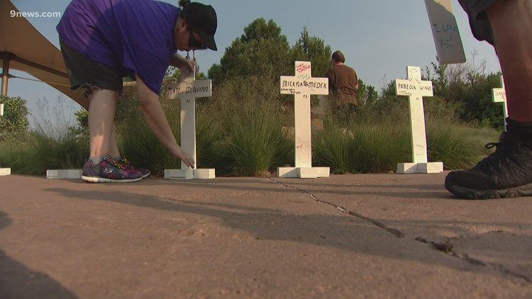 Memorial remembers the 12 people killed in Aurora movie theater