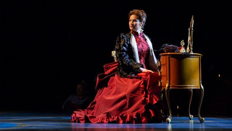 Kate MacCluggage as Anna Karenina