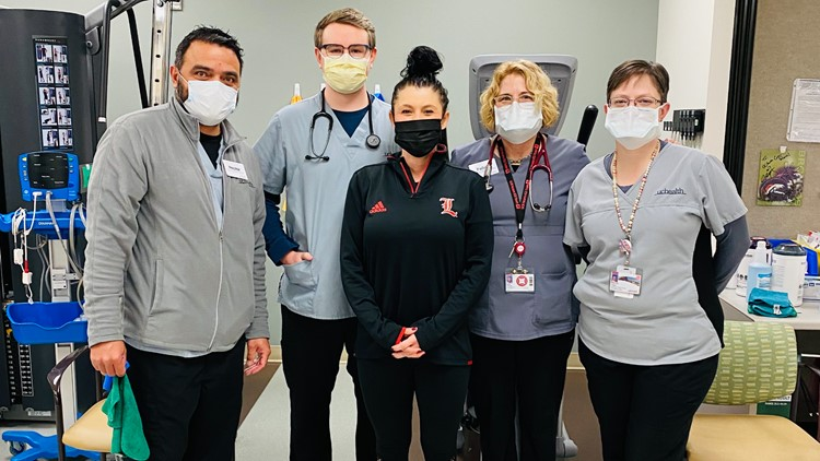 UCHealth respiratory therapists help woman with COVID-19 lung damage