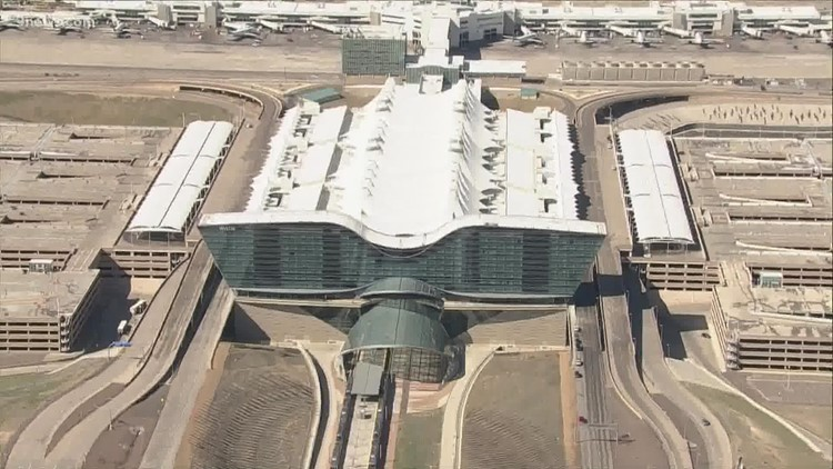 Union representing DIA janitors says they'll strike Friday