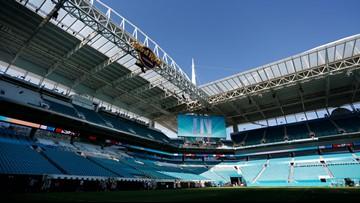 Thousands of workers preparing Miami stadium for Super Bowl