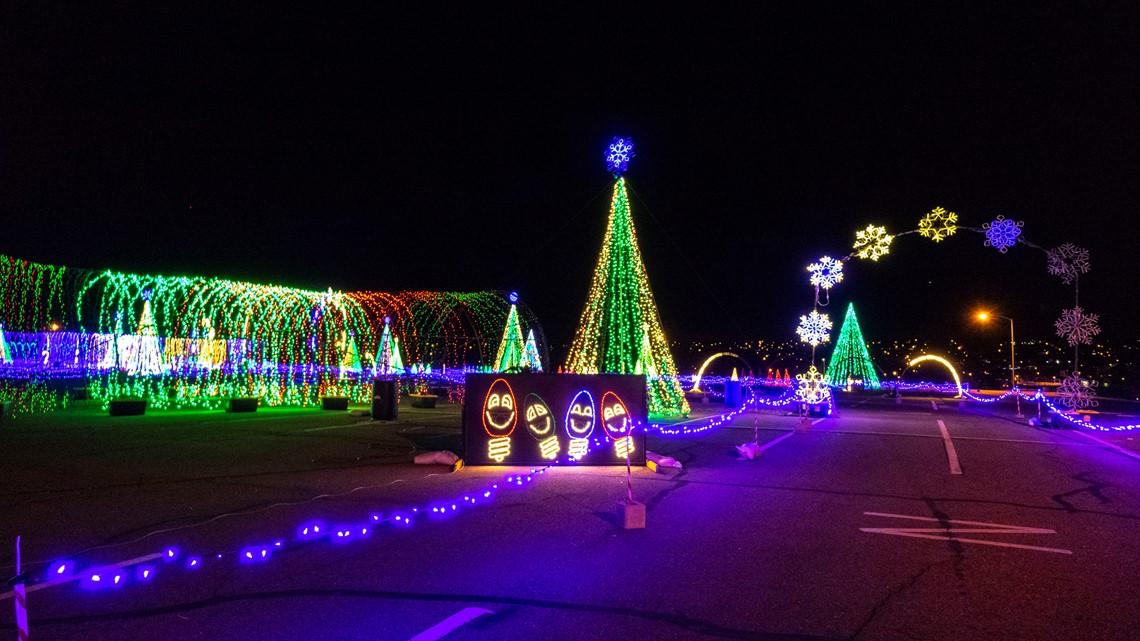 Drive Through Christmas Lights.Watch Take A Virtual Reality Drive Through 1 5 Million