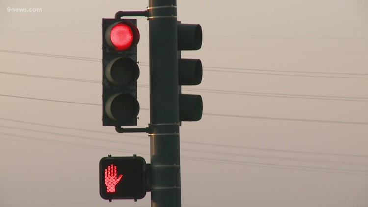 AAA study: 20 killed on Colorado roads from drivers running red lights