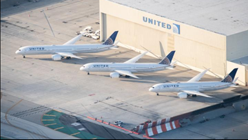United Airlines' new Boeing Dreamliner takes flight