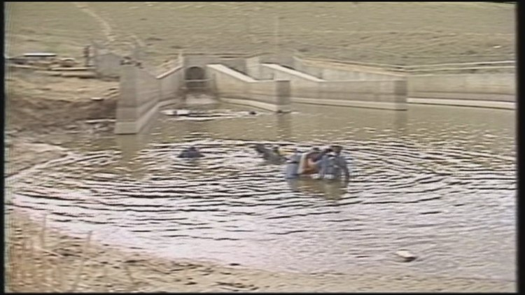 Divers recovering the body of Vicki Carpenter from the Cherry Creek Reservoir Spillway