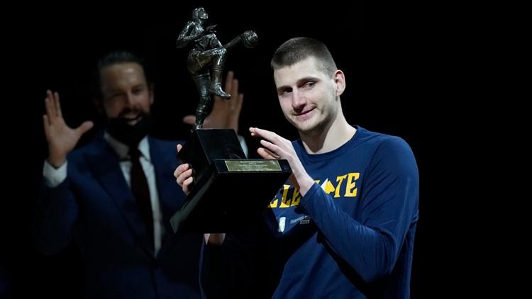 On night Nikola Jokic receives MVP trophy, Suns sink Nuggets into 3-0 series hole