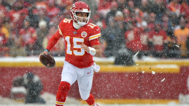 Mahomes throws through snowstorm, lifts Chiefs past Broncos, 23-3