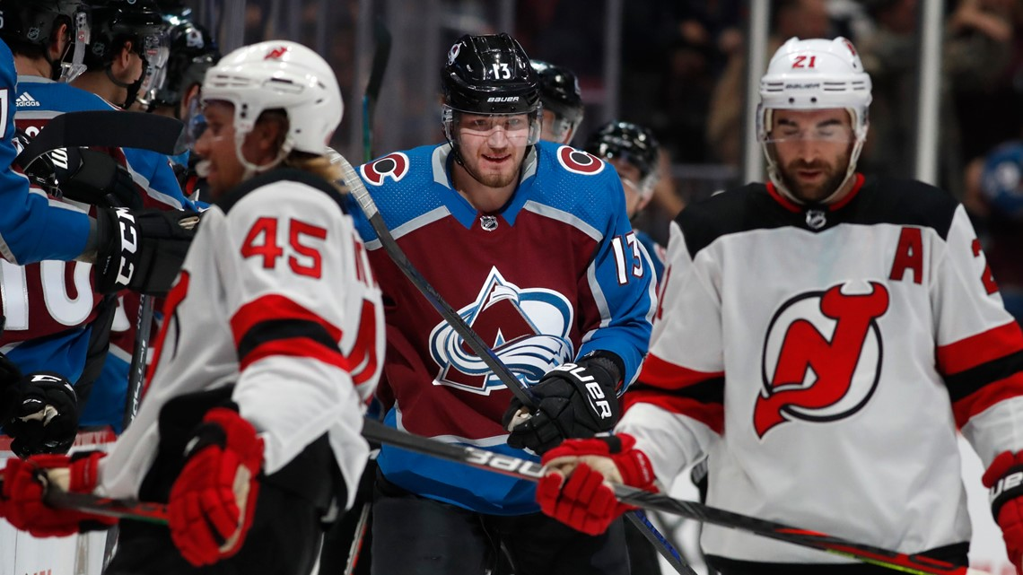 Francouz has 37 saves as Avalanche beat Devils 3-1