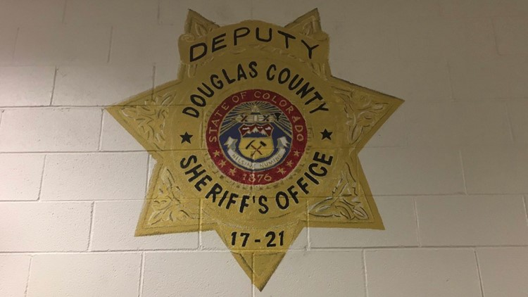 Painting by inmate at Douglas County jail honors fallen deputy