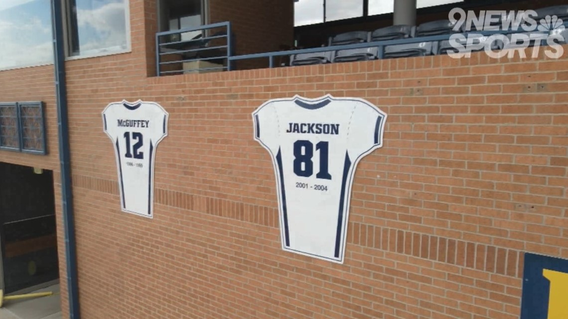 Family of late UNC receiver Vincent Jackson touched by school retiring his jersey