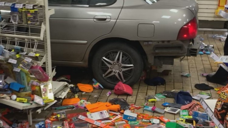 3 suspects flee after crashing into 7-Eleven store on West Colfax