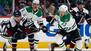 Avalanche let another lead slip away, lose 3-2 to Stars