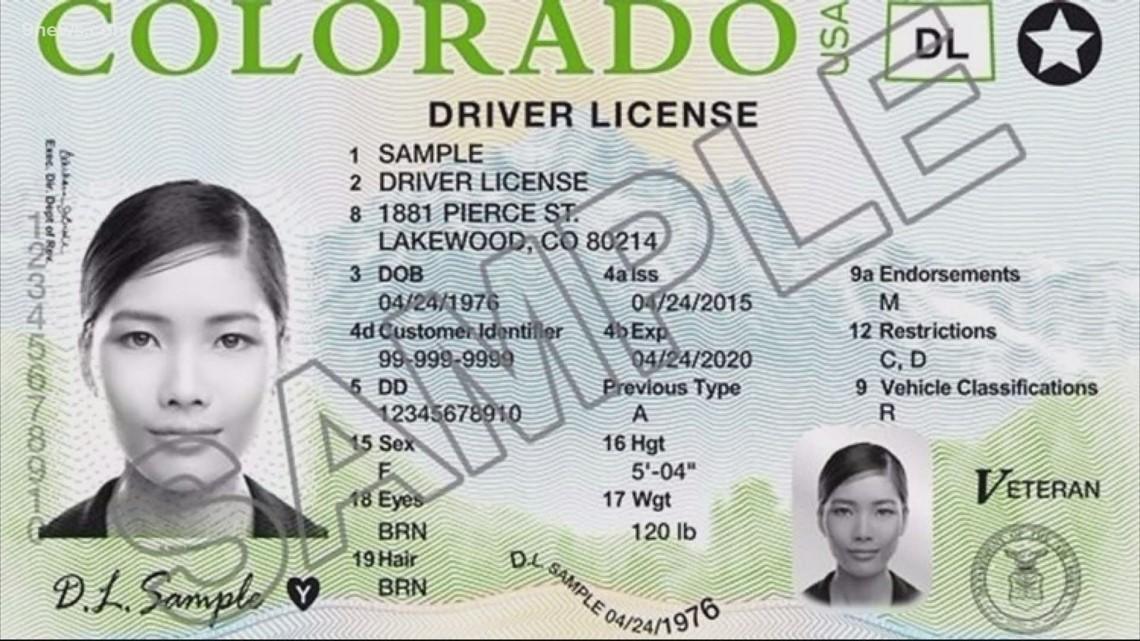 Cambian las reglas del DMV para los conductores mayores, exámenes de la vista y titulares de permisos