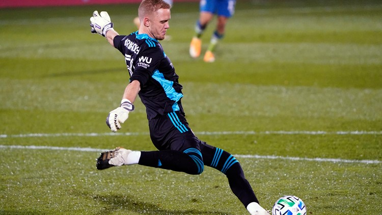 Rapids sign goalkeeper William Yarbrough to 3-year contract
