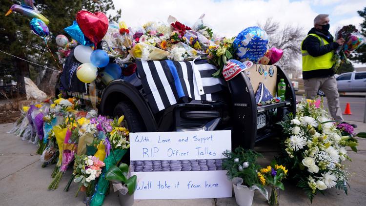 Presentaran más cargos contra el sospechoso del tiroteo en Boulder, la defensa obtendrá el estado de su salud mental