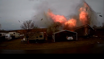 Home on Colorado's western border explodes, injuring 2