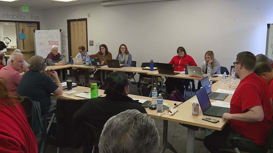 DPS, teacher negotiations continue as midnight deadline looms