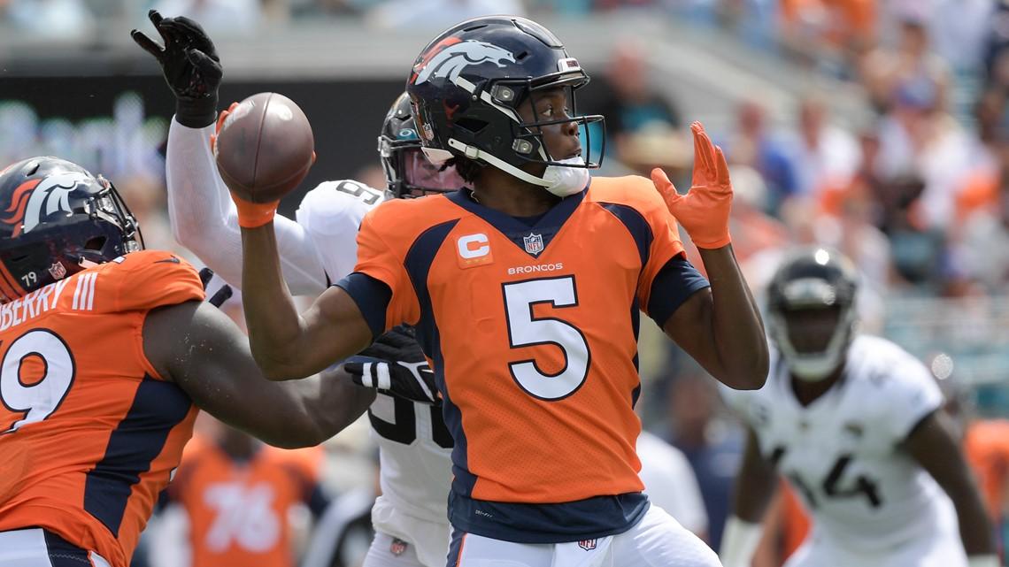 Bridgewater stays calm, guides Broncos to 10-7 halftime lead on Jaguars