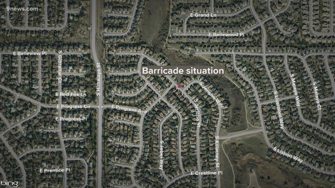 Man exchanges gunfire with deputies after barricading himself in garage