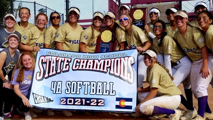 Holy Family defeats D'Evelyn to win 4A softball state title