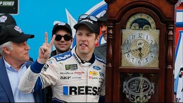 Brad Keselowski routs field to earn win at Martinsville Speedway