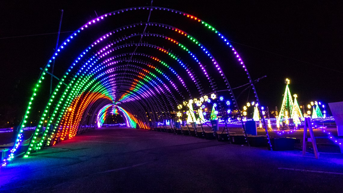 Christmas Light Show Near Me.Watch Take A Virtual Reality Drive Through 1 5 Million