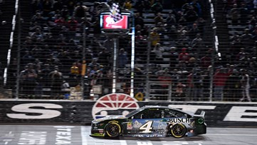 Harvick has Cup title shot after 3rd straight Texas fall win