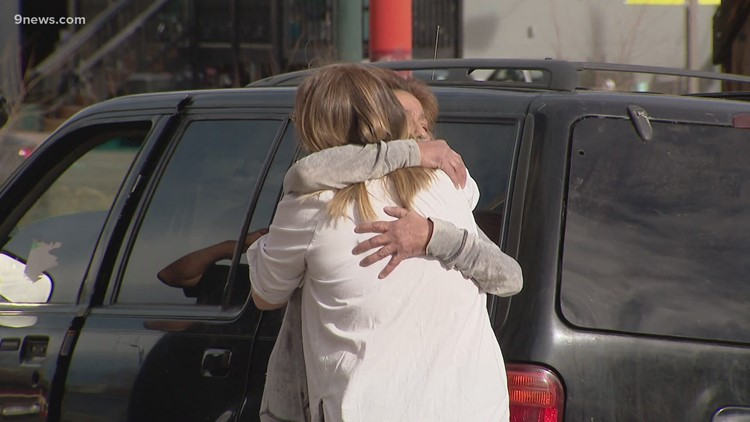 Colorado Rising: Neighbors pitch in to help couple in need