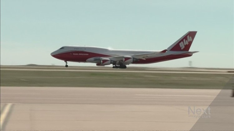 the supertanker s a firefighting beast but it s also expensive rh 9news com Boeing 747- 8 Boeing 747-400 Cockpit