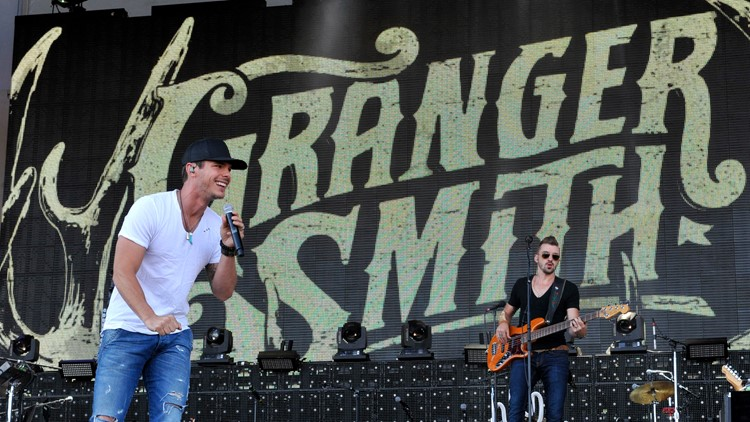 2016 LakeShake Country Music Festival Granger Smith performs
