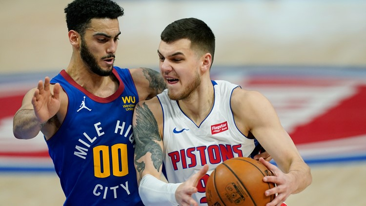 Howard, Jokic lead Nuggets past Pistons 104-91