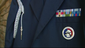 Thief steals car of Honor Guard during military funeral