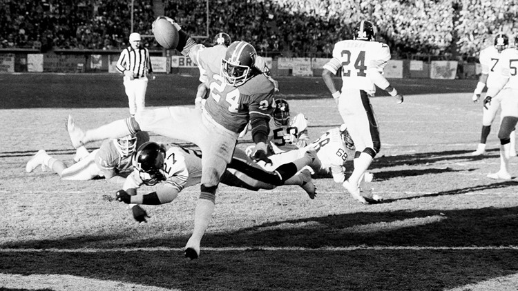 Broncos running back great Otis Armstrong dies at 70