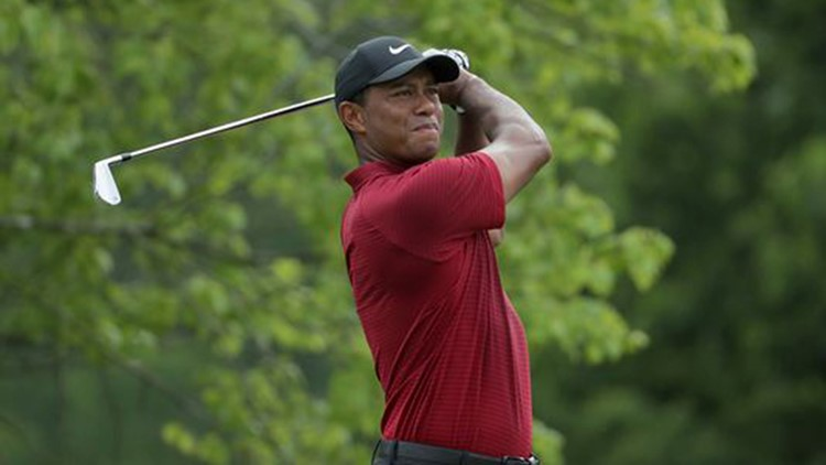 Follow along with this shot-by-shot breakdown of Tiger Woods' appearance at the PGA Championship.