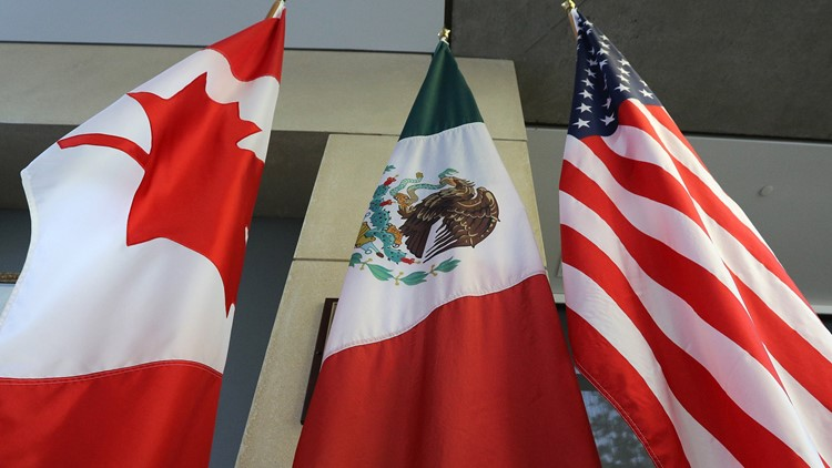 U.S., Mexico reach NAFTA deal as pressure turns to Canada