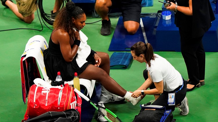 Serena Williams medical treatment vs Venus US open