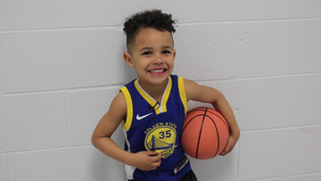 3-year-old stuns with shots on basketball court