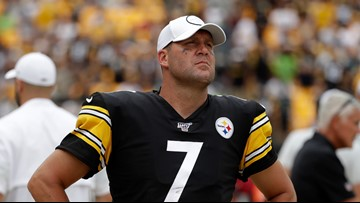 Steelers' Ben Roethlisberger done for season with right elbow injury