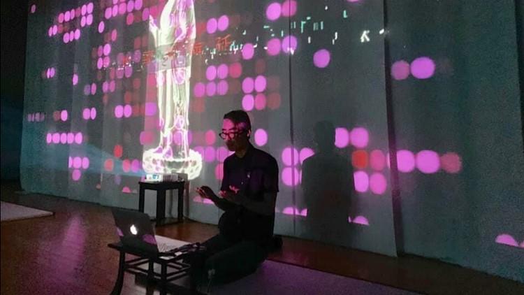 Buddhist monk DJ brings a techno beat to Japan