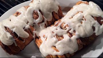 Recipe: Pumpkin Spice Pull-Apart bread with Cream Cheese Glaze